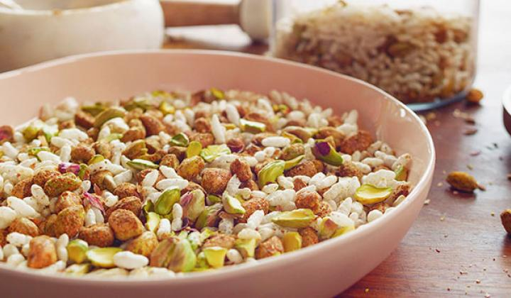 California Pistachios Bhel Mix with Egg Twist